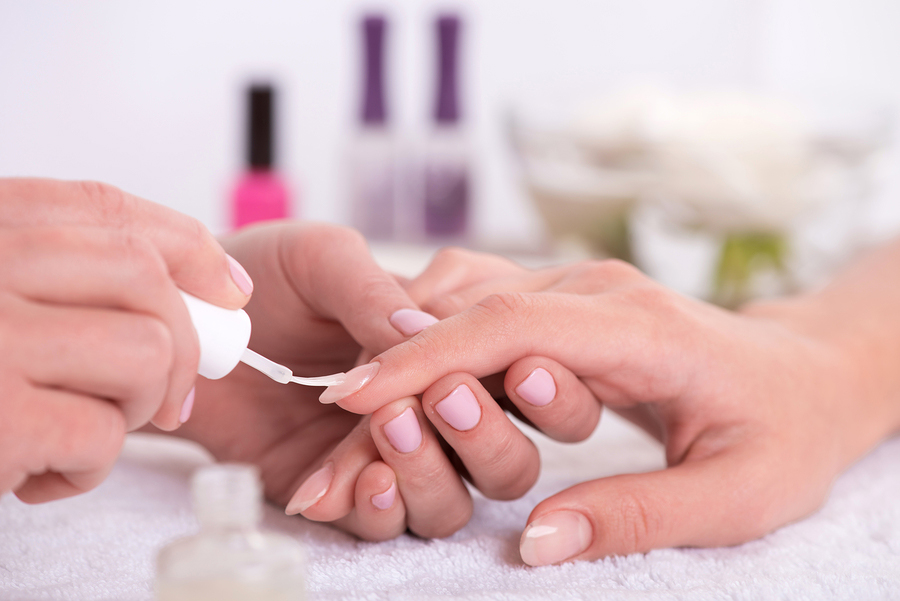 pamper party manicure,